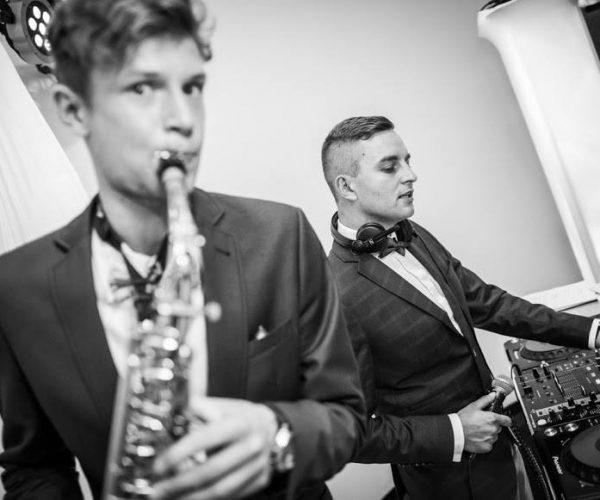 Oprawa muzyczna wesela, duet dj i saksofonista